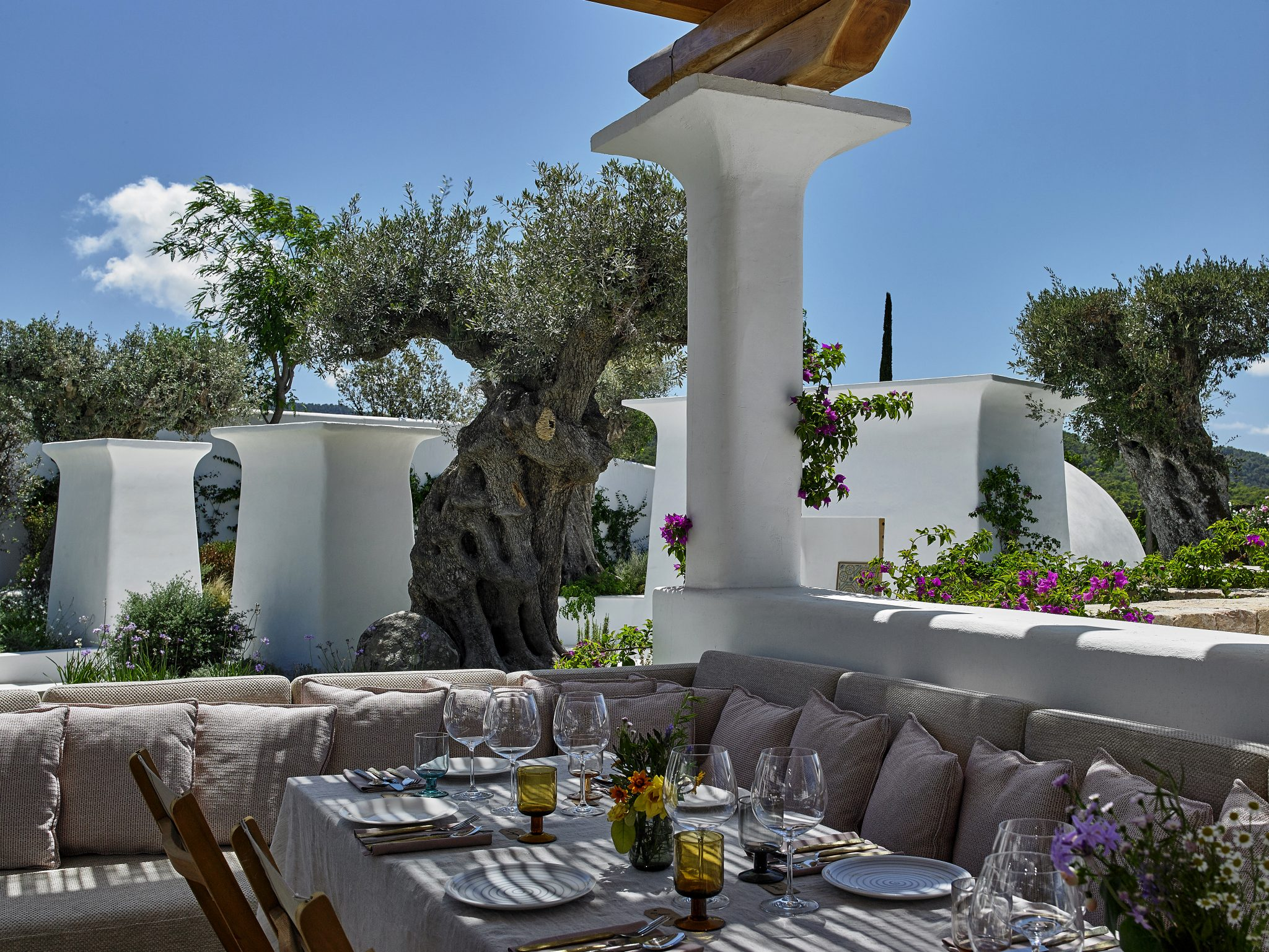 Sabina Ibiza spiritual home_The Sabina clubhouse modernism and a connection to nature