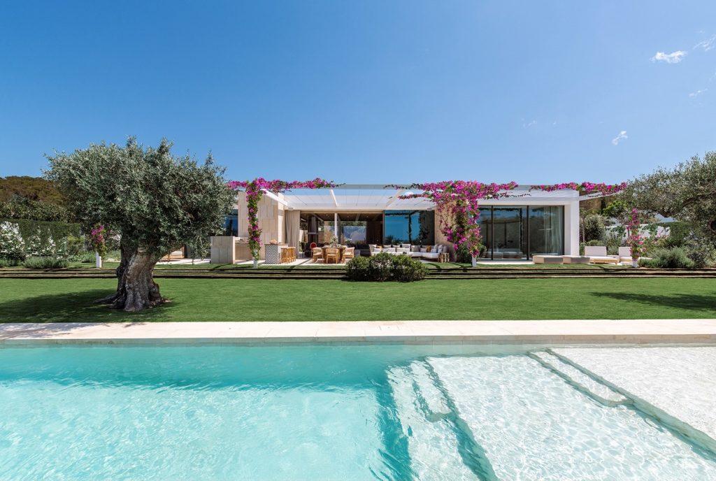 Villa by Jamie Romano